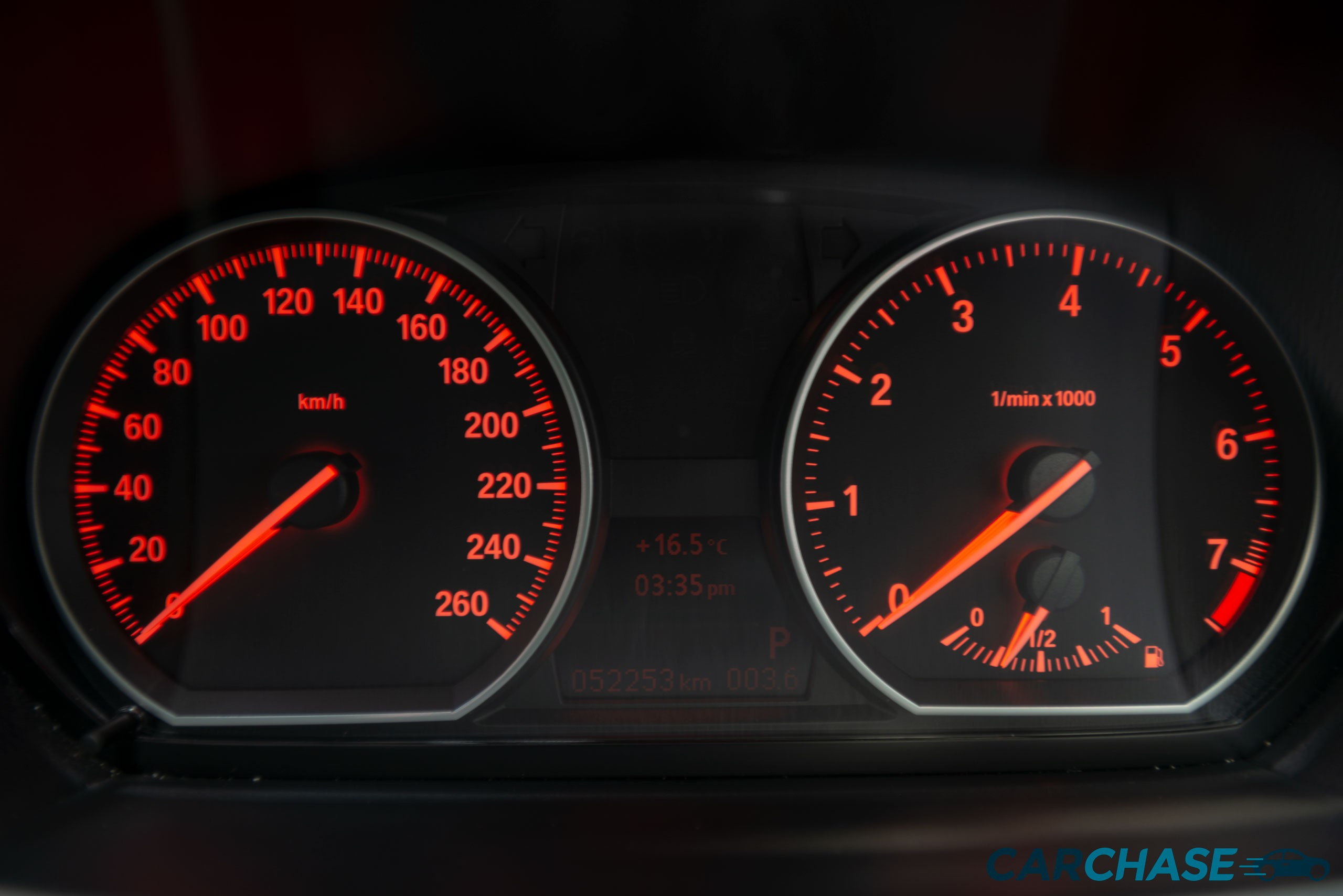 Image of dials profile of 2011 BMW 125i