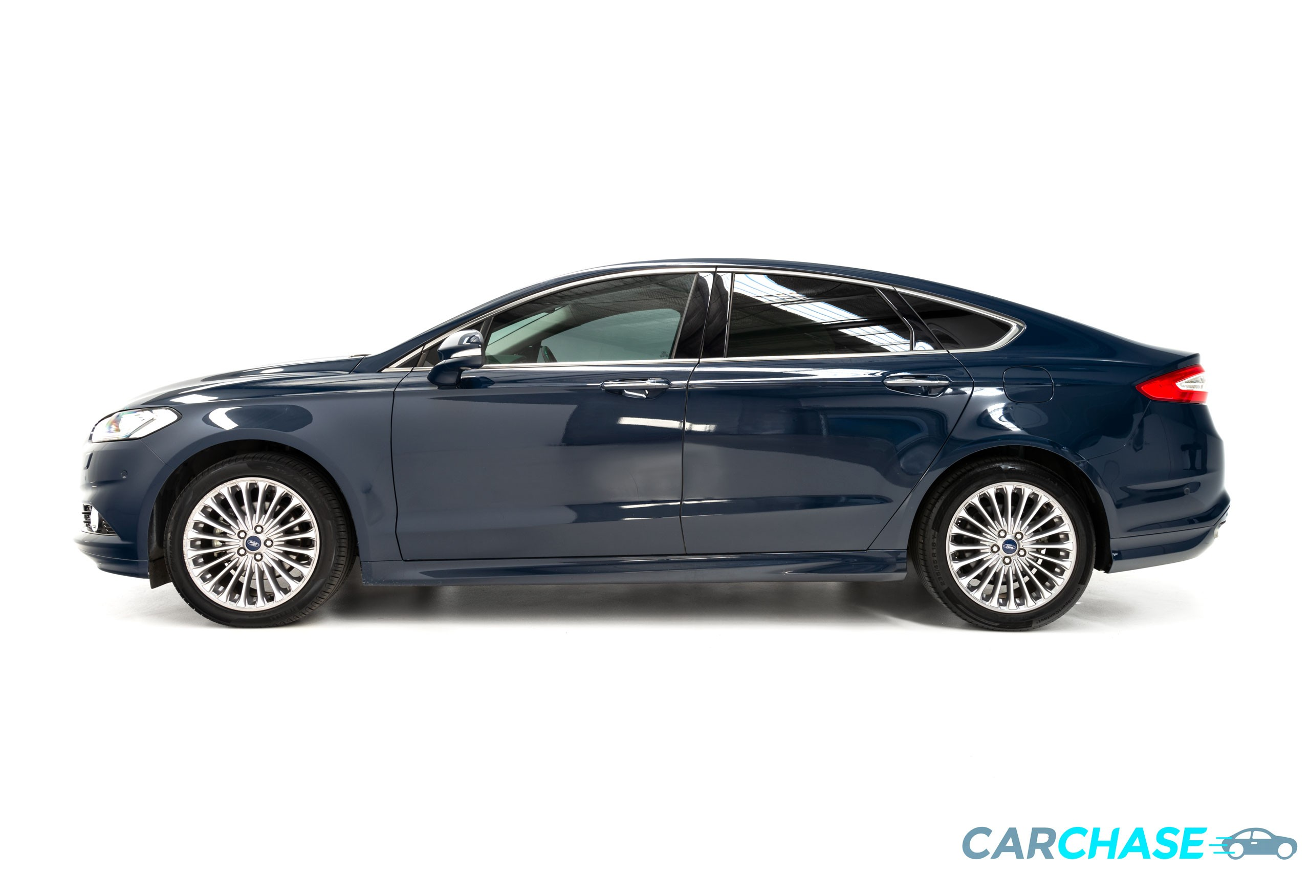 Image 3/10 of 2016 Ford Mondeo