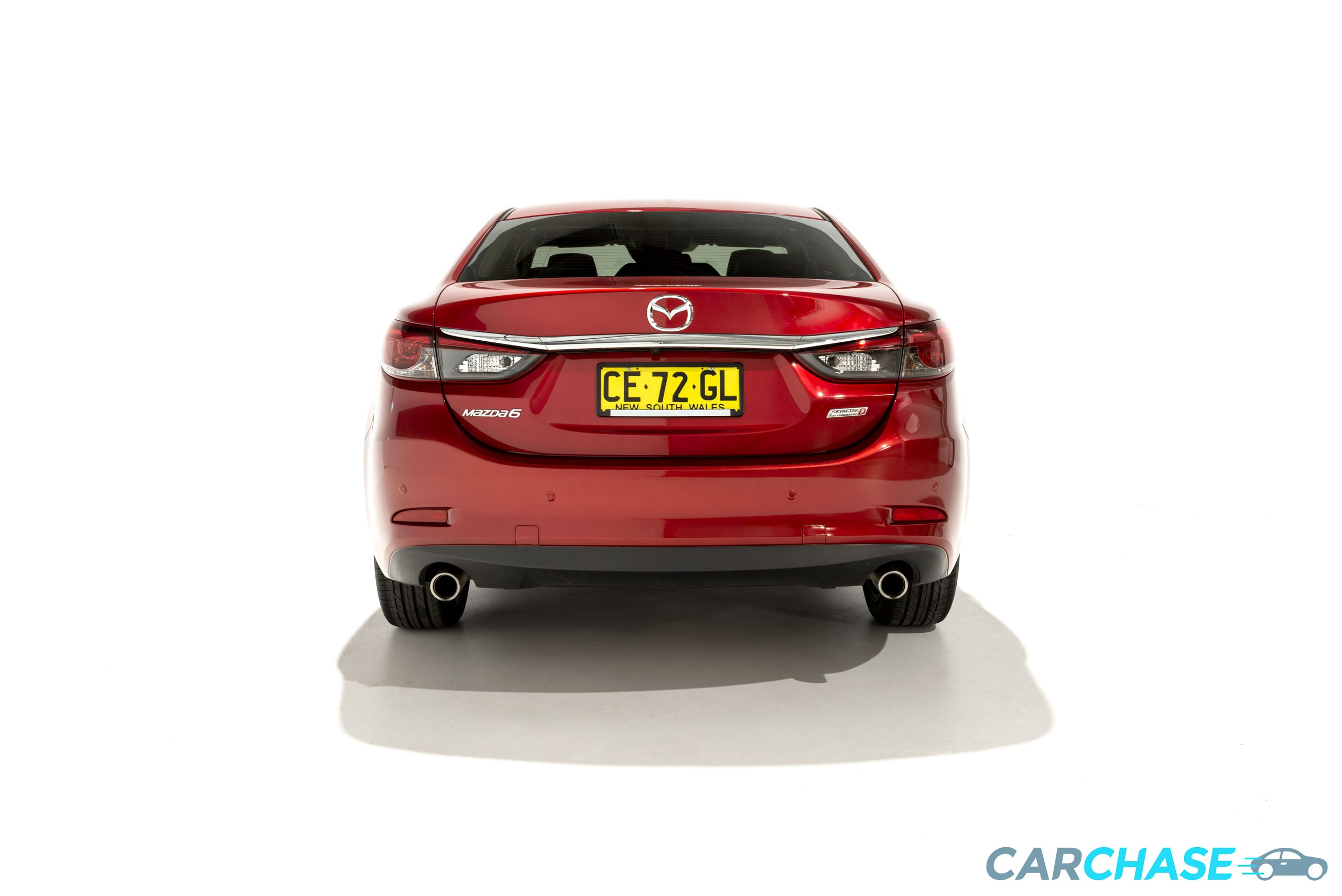 Image of rear profile of 2015 Mazda 6 Atenza