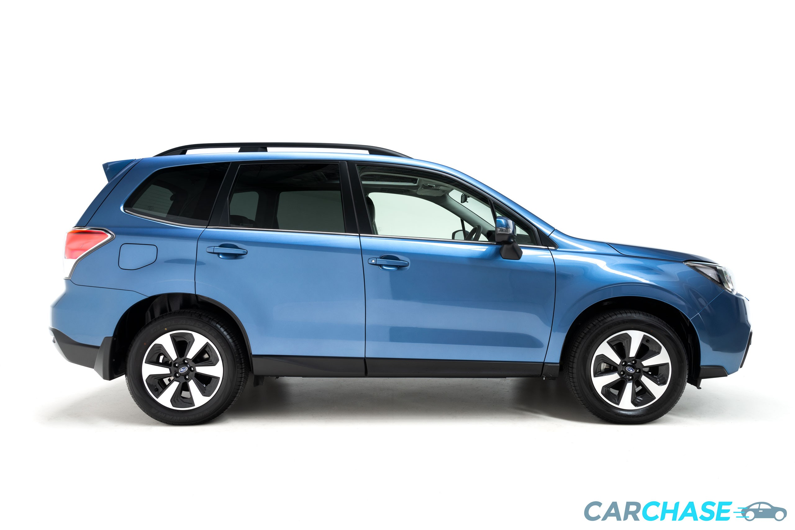 Image of right profile of 2018 Subaru Forester 2.5i-L Luxury