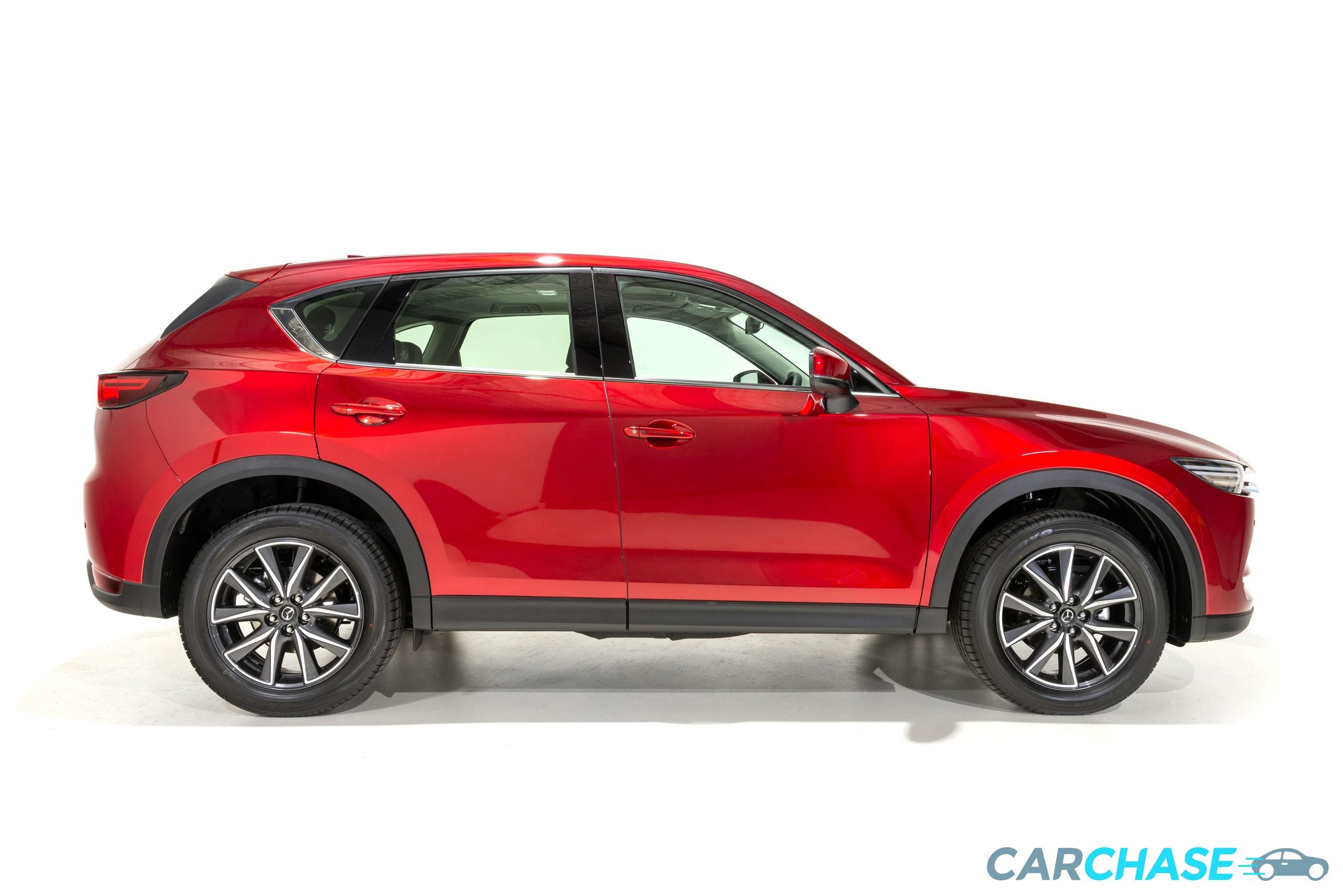 Image of right profile of 2018 Mazda CX-5 GT