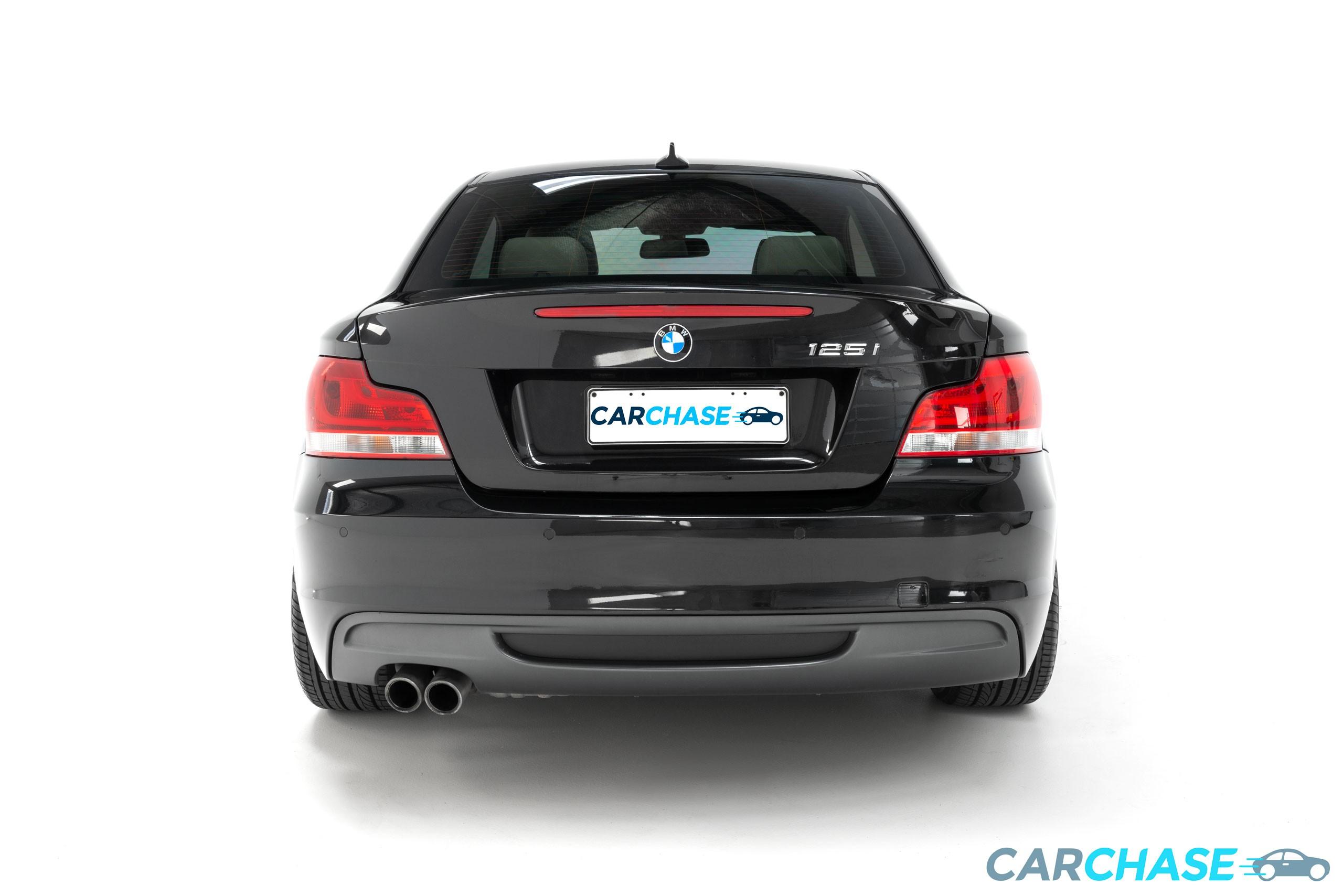 Image of rear profile of 2011 BMW 125i