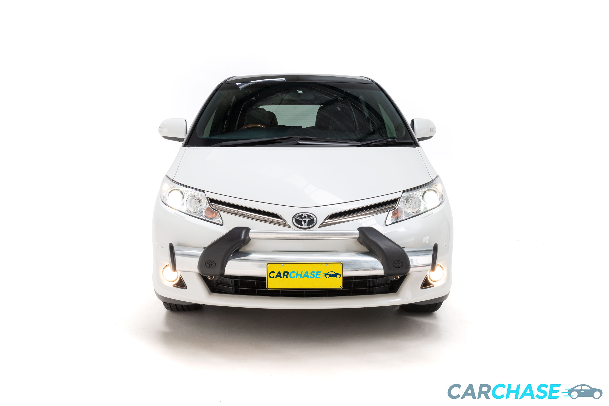 Image of front profile of 2017 Toyota Tarago Ultima