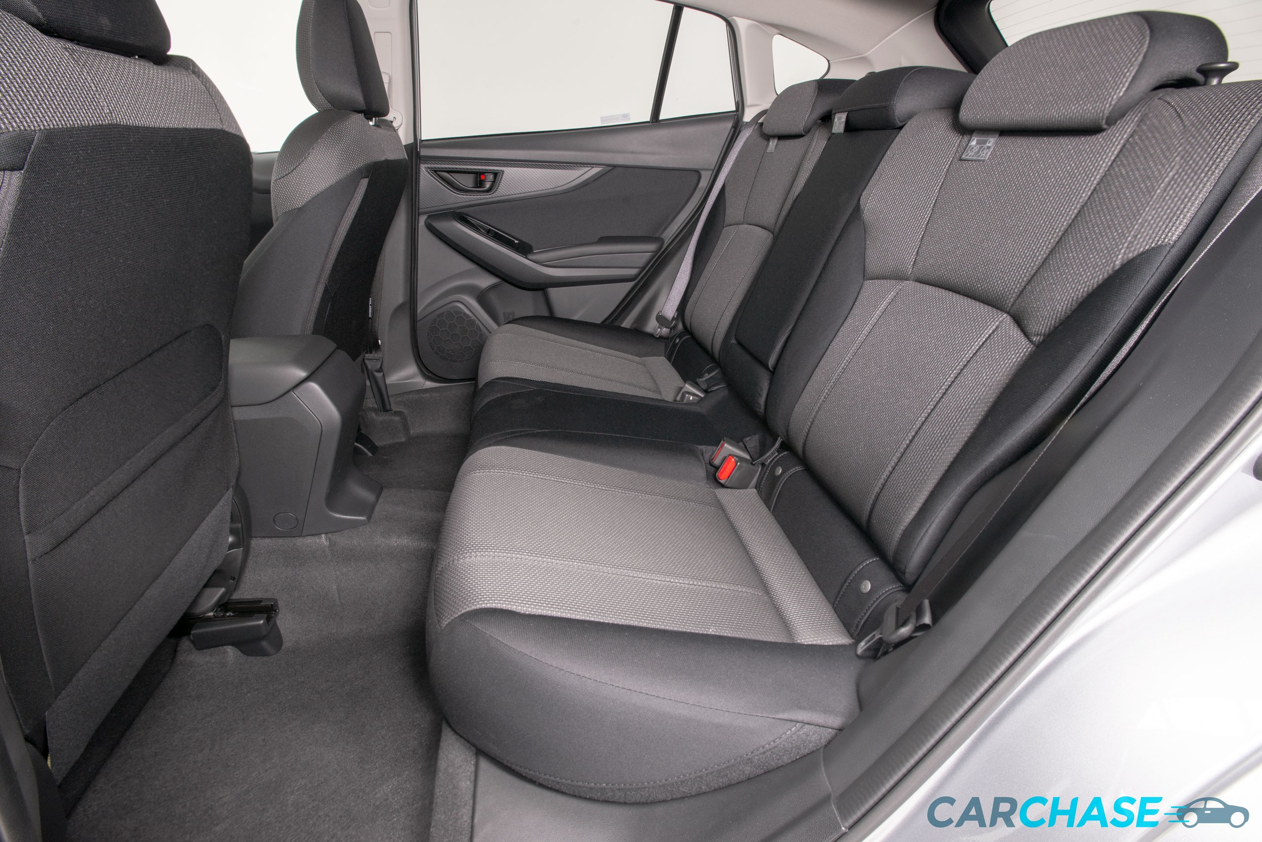 Image of passenger rear profile of 2018 Subaru Impreza 2.0i