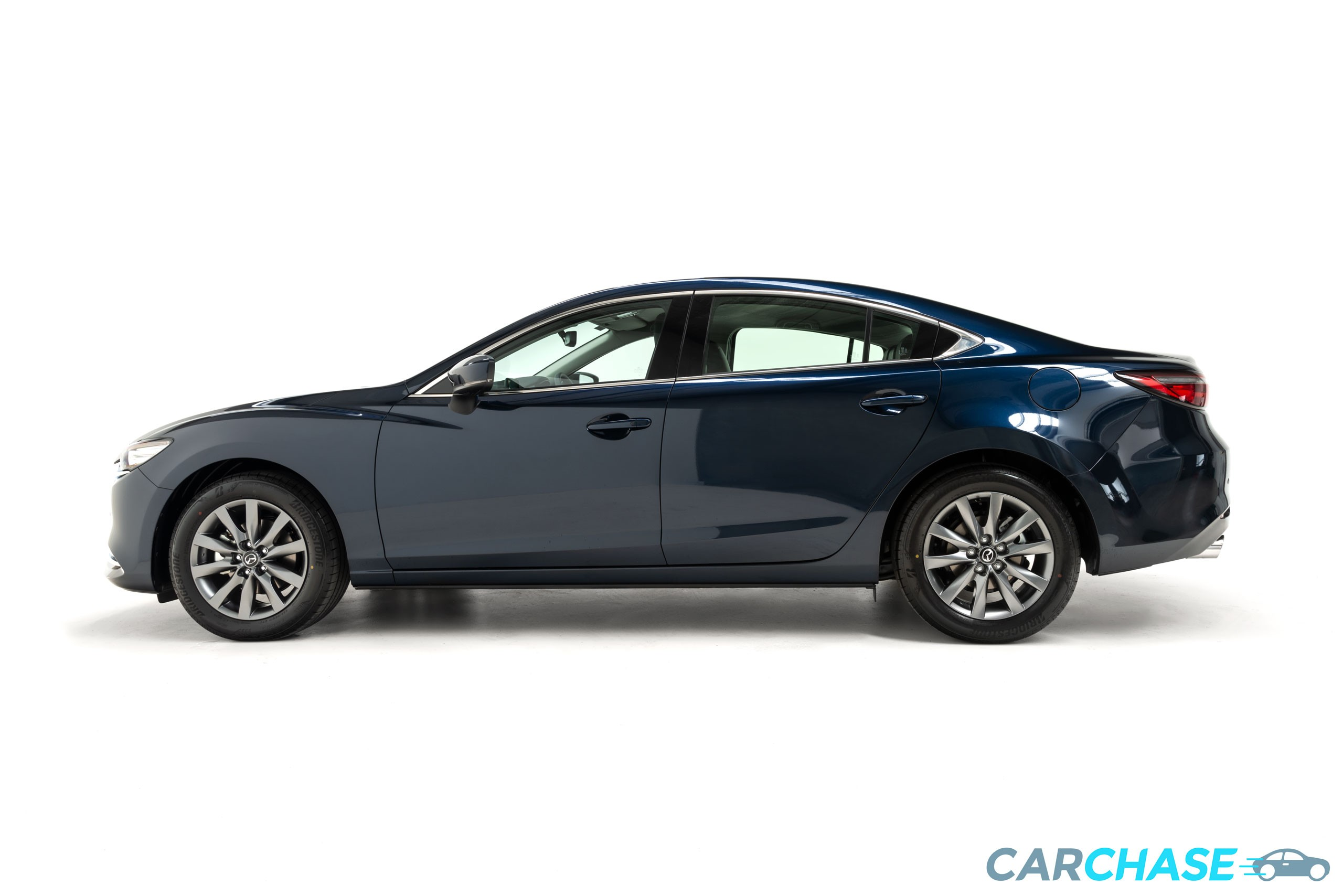 Image of left profile of 2019 Mazda 6 Touring