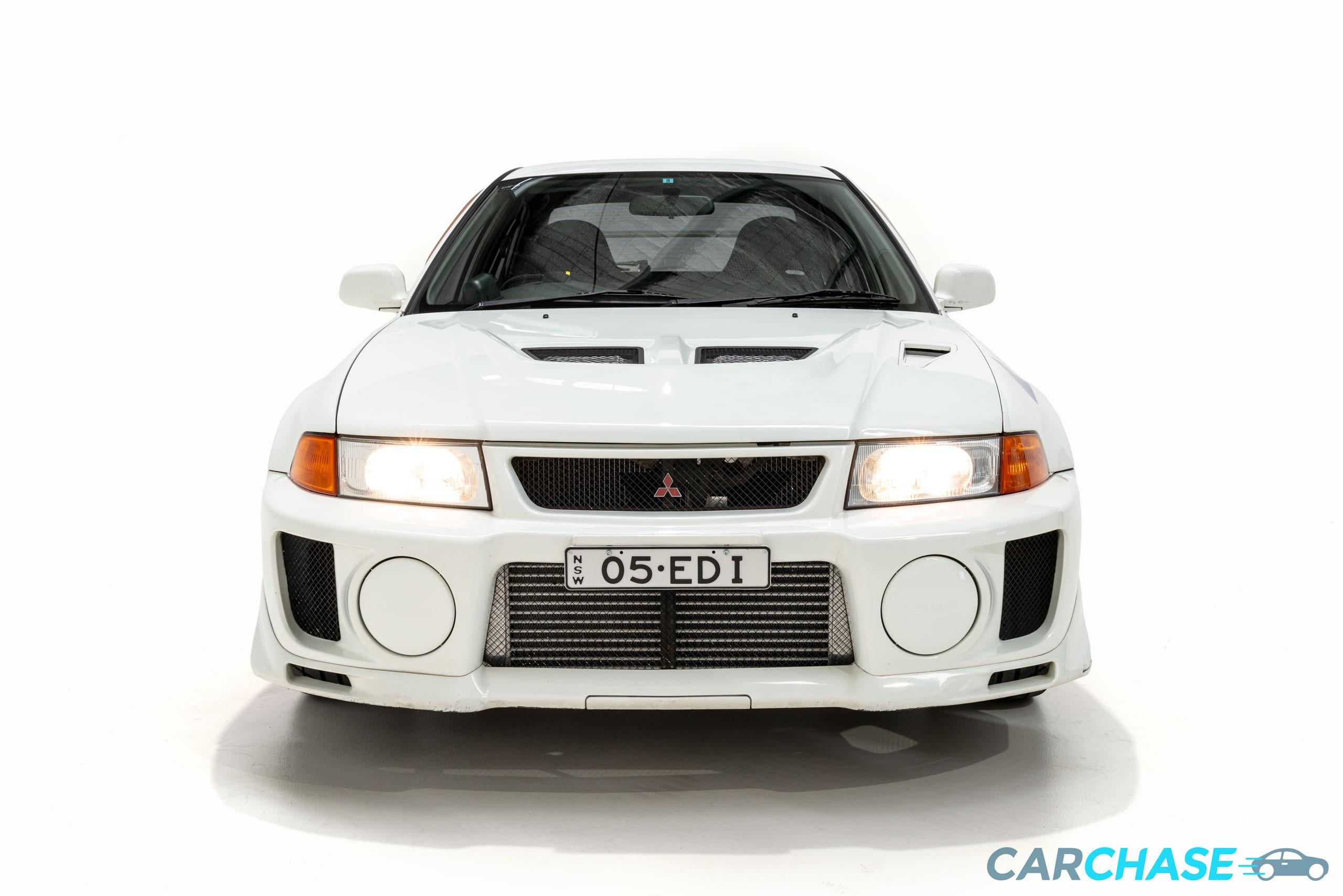 Image of front profile of 1998 Mitsubishi Lancer Evolution V