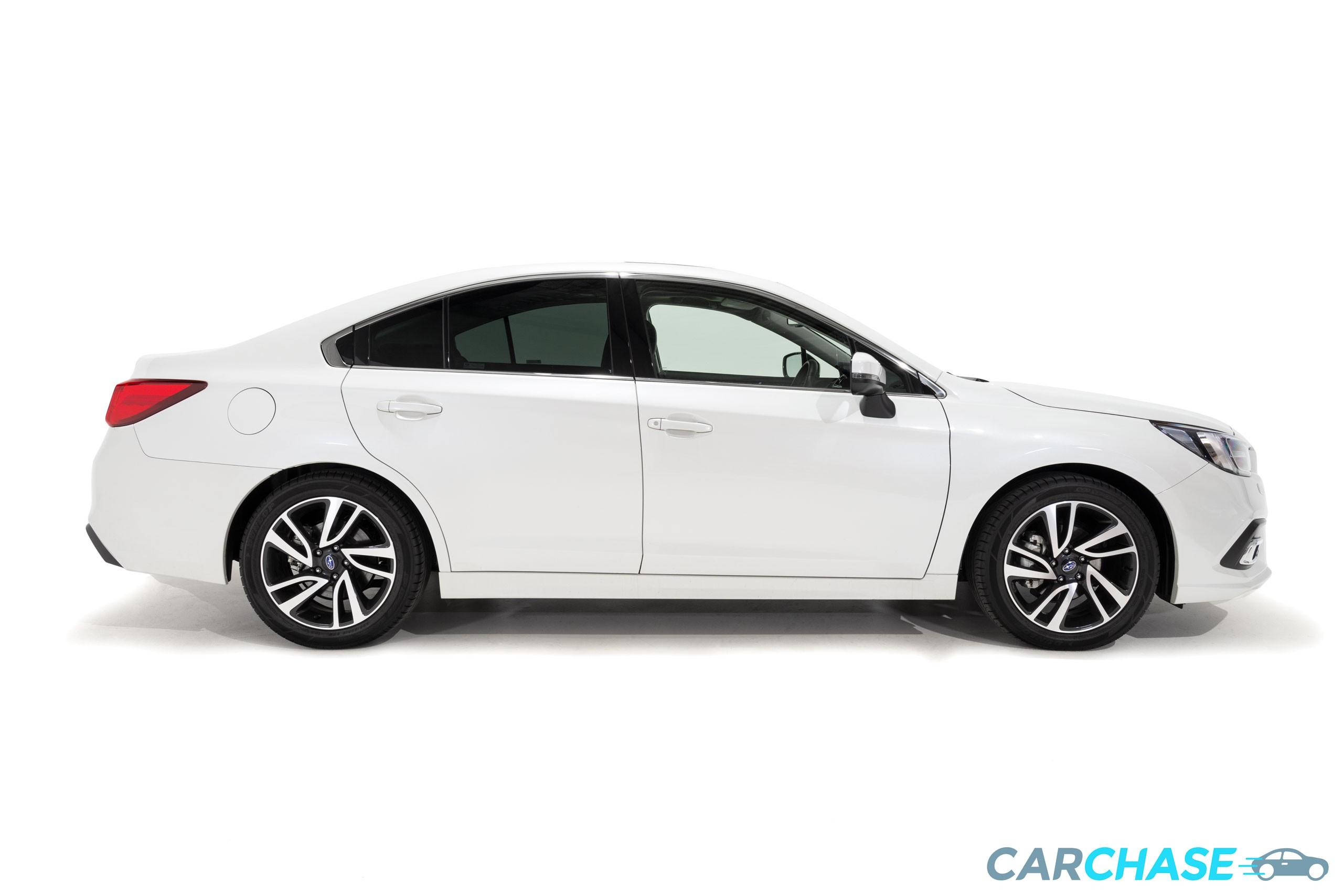 Image of right profile of 2018 Subaru Liberty 2.5i Premium