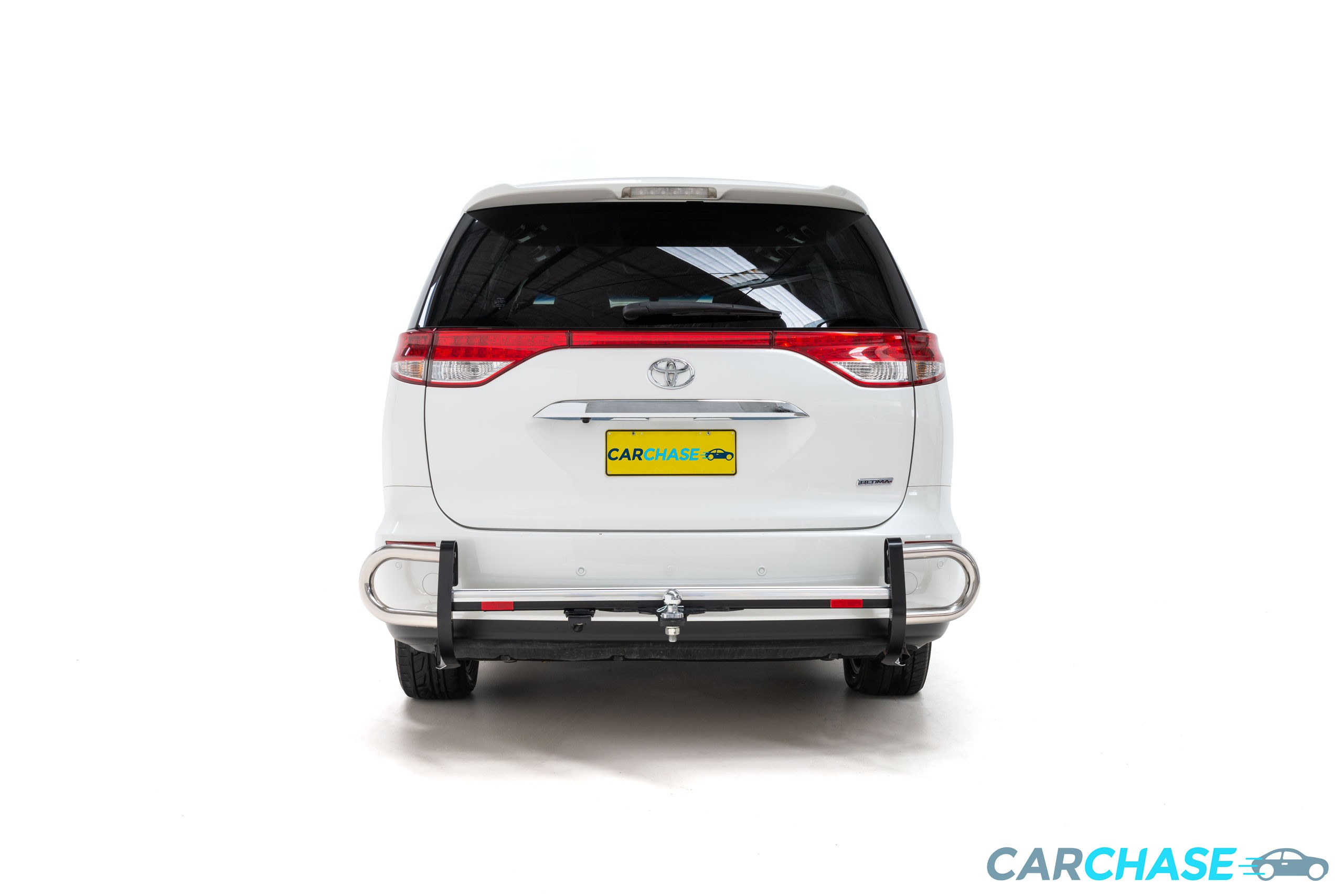 Image of rear profile of 2017 Toyota Tarago Ultima
