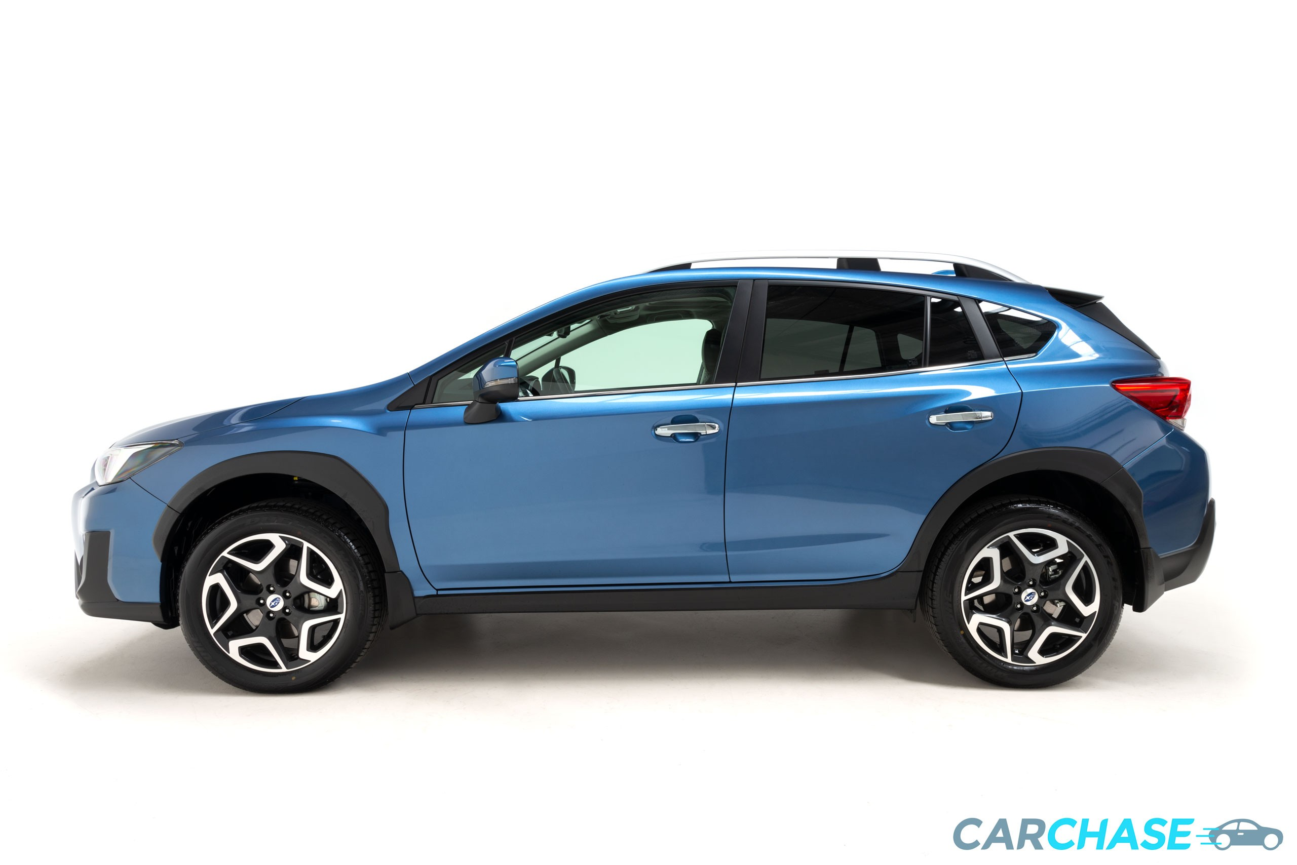 Image of left profile of 2018 Subaru XV 2.0i-S