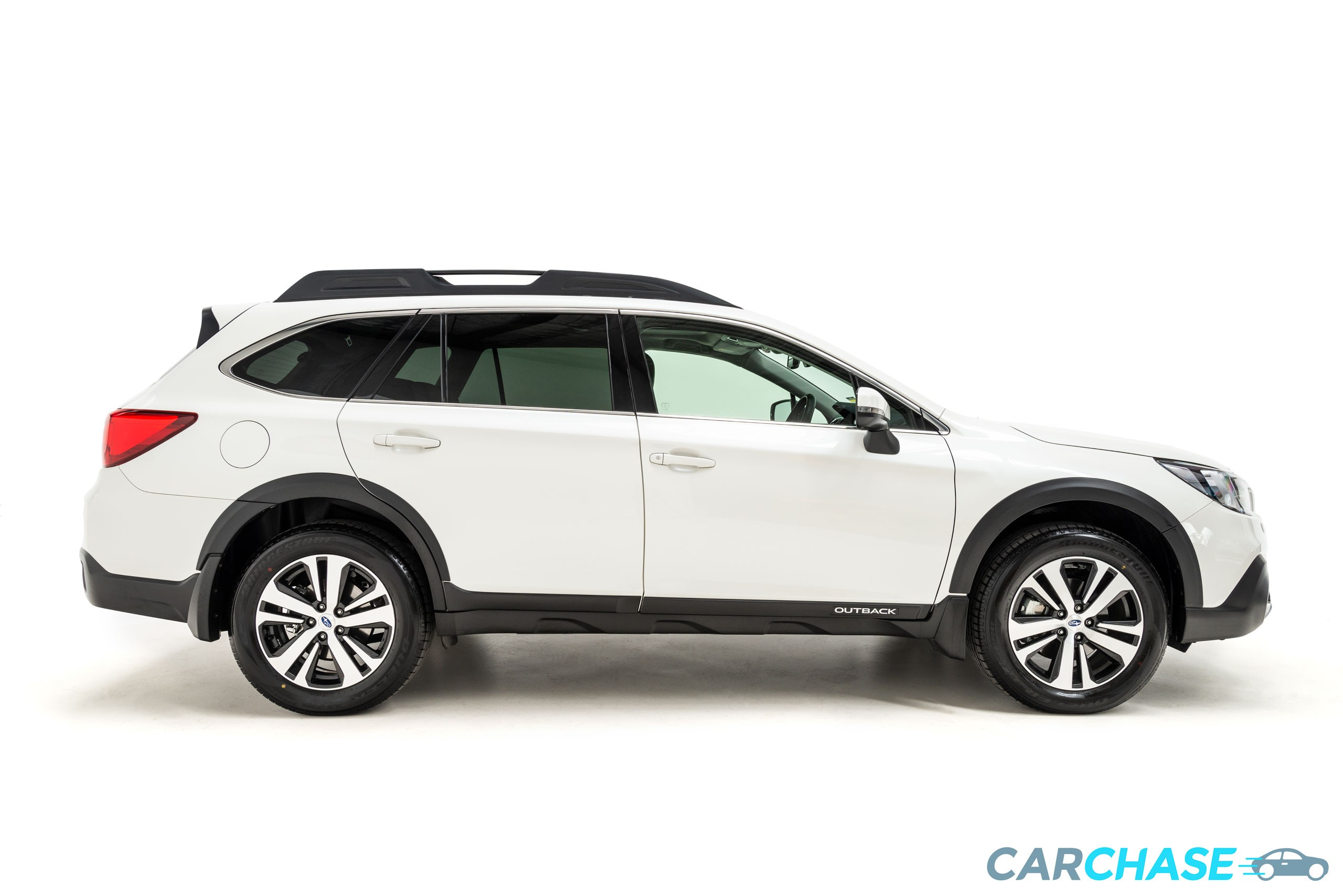 Image of right profile of 2018 Subaru Outback 2.5i Premium