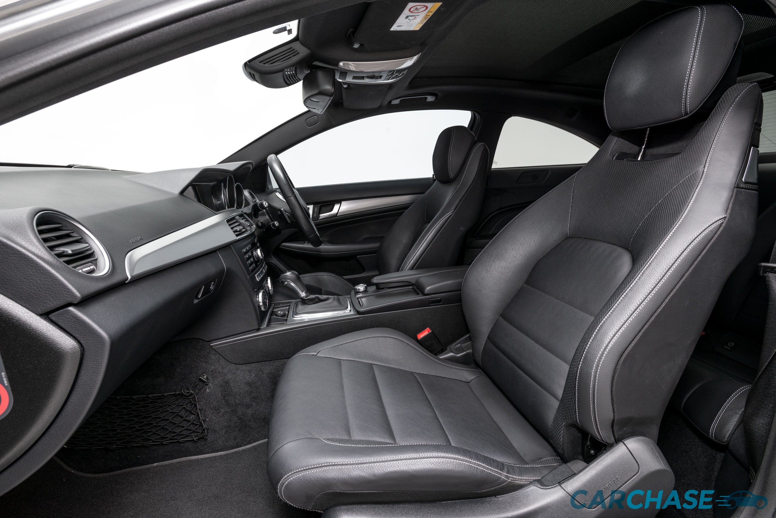 Image of passenger front profile of 2015 Mercedes-Benz C250 CDi Avantgarde