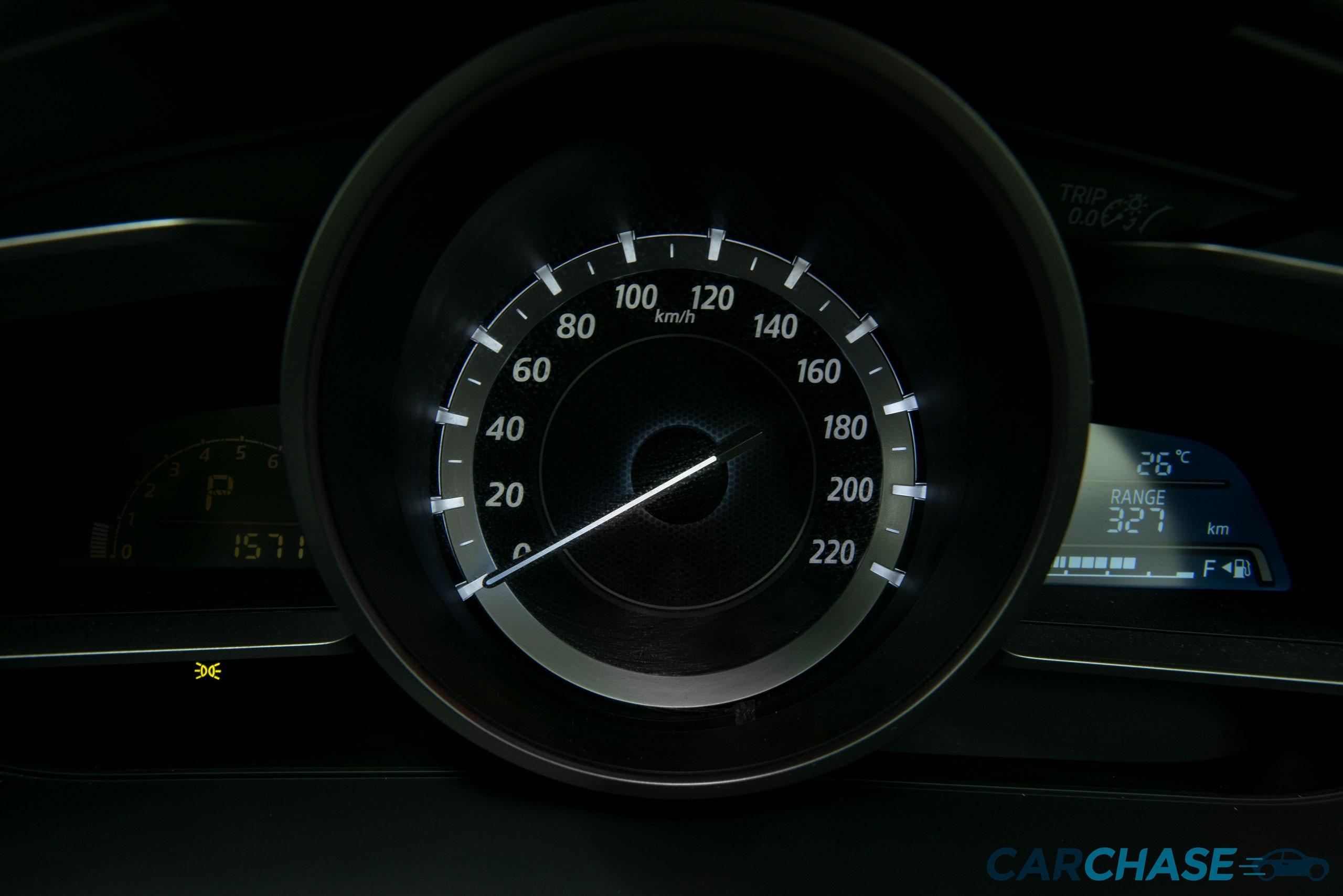 Image of dials profile of 2016 Mazda 2 Maxx DJ