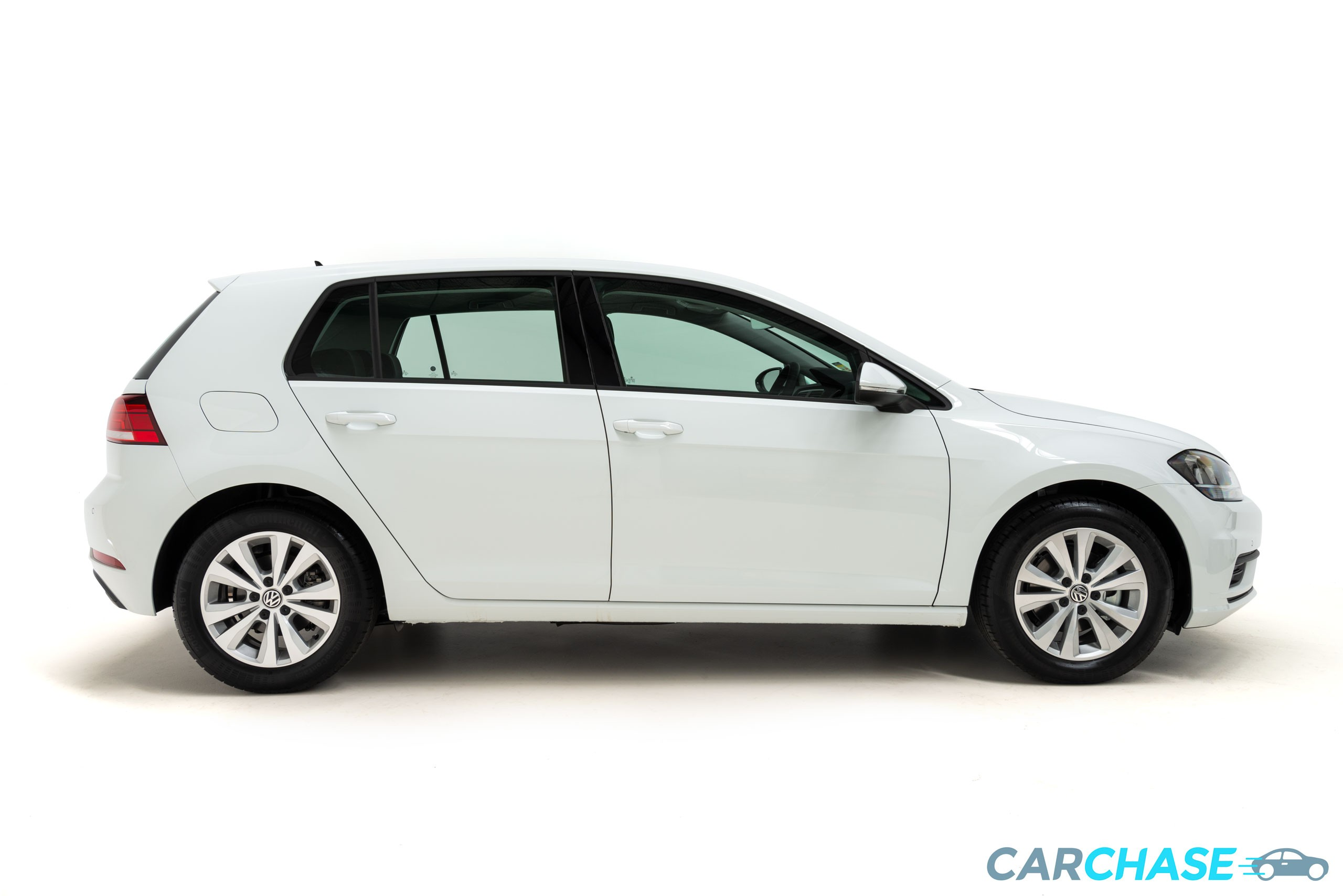 Image of right profile of 2018 Volkswagen Golf 110TSI Trendline