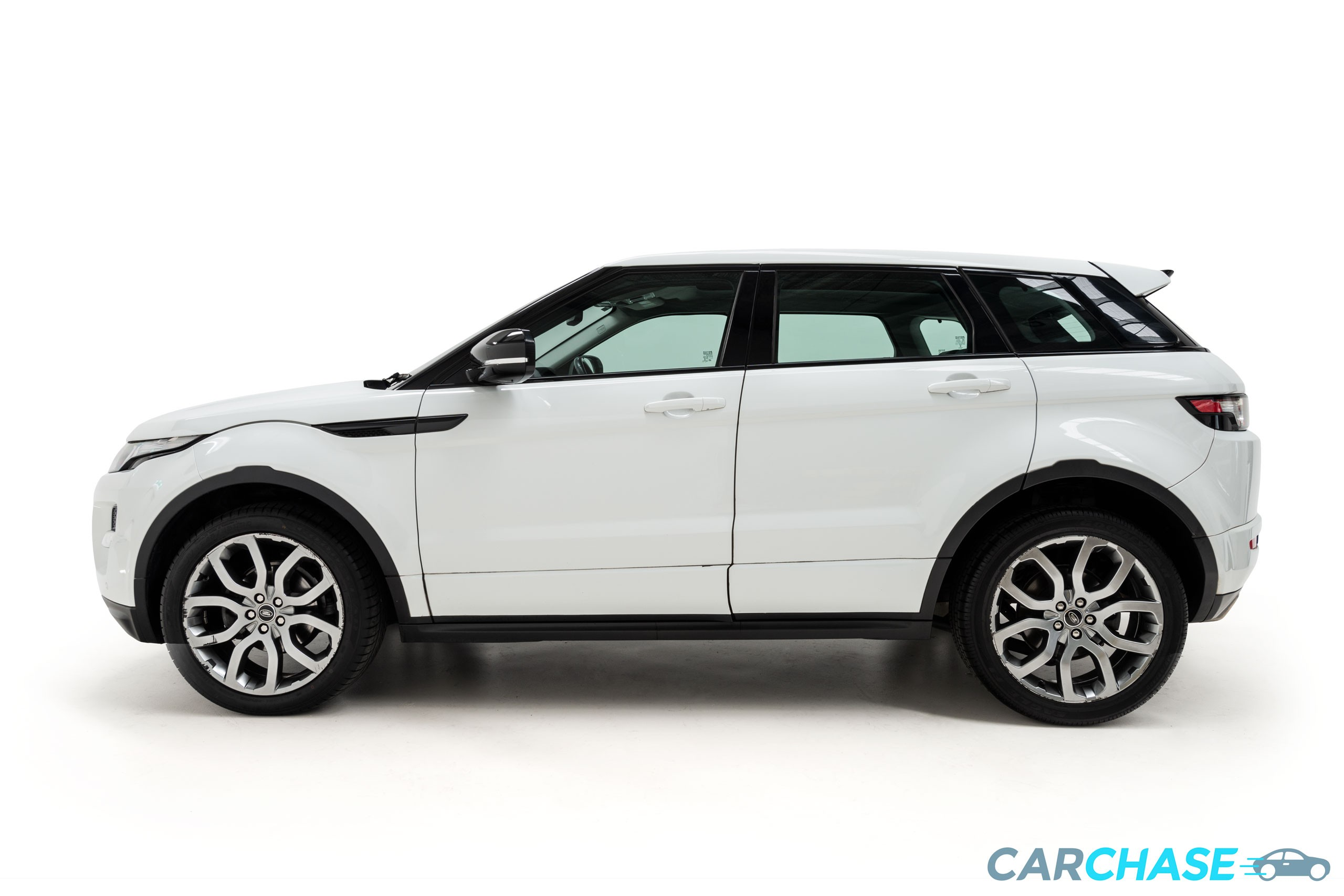 Image of left profile of 2013 Land Rover Range Rover Evoque SD4 Dynamic
