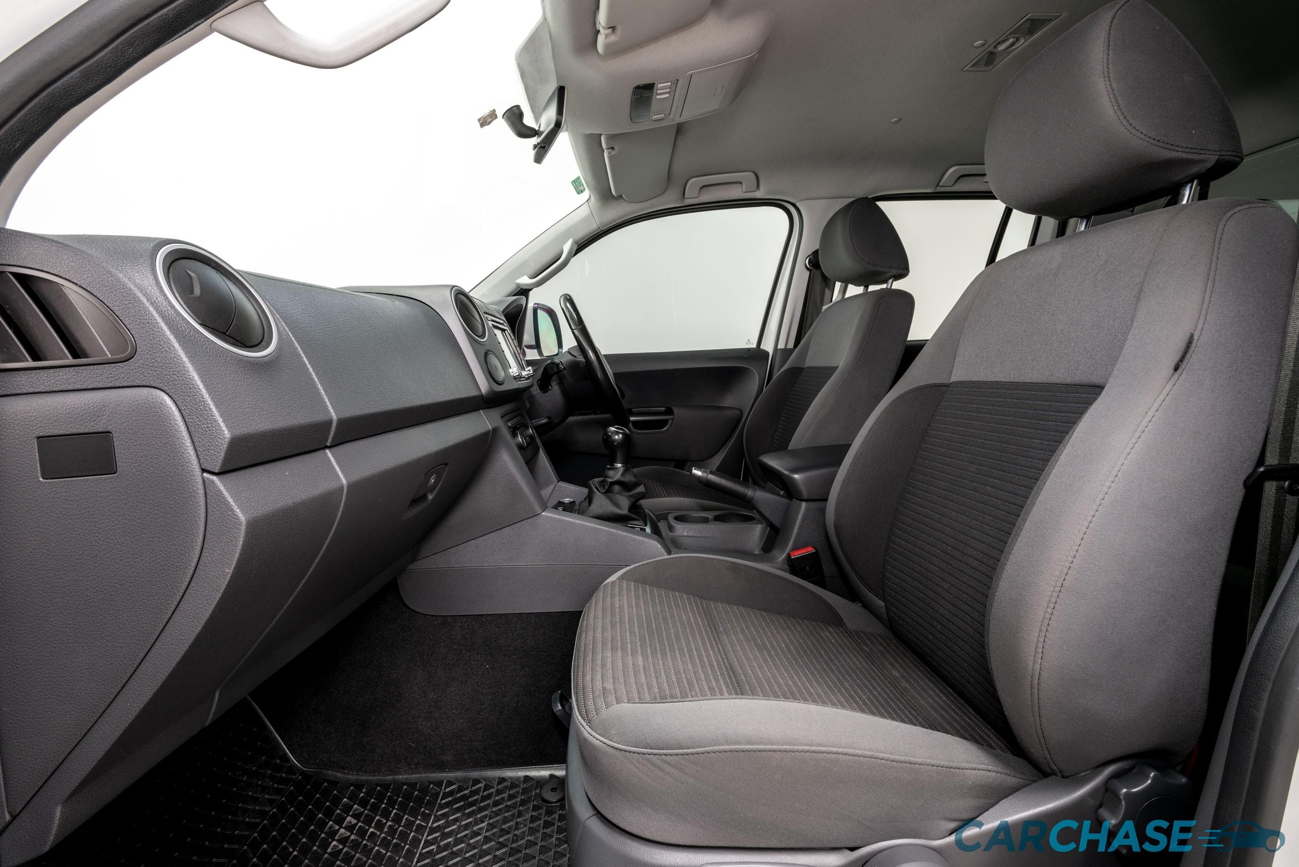 Image of passenger front profile of 2012 Volkswagen Amarok TDI400 Highline