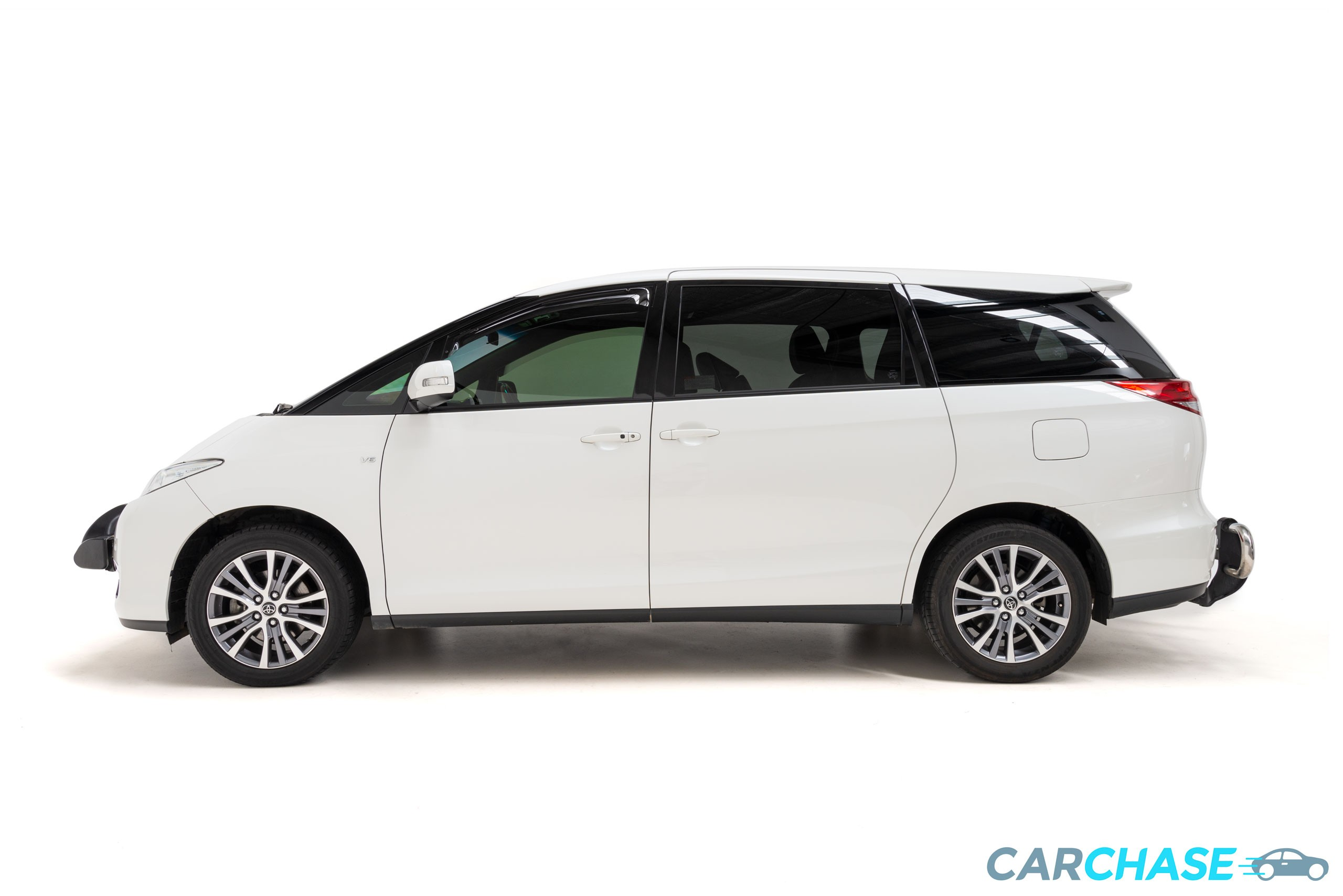 Image of left profile of 2017 Toyota Tarago Ultima