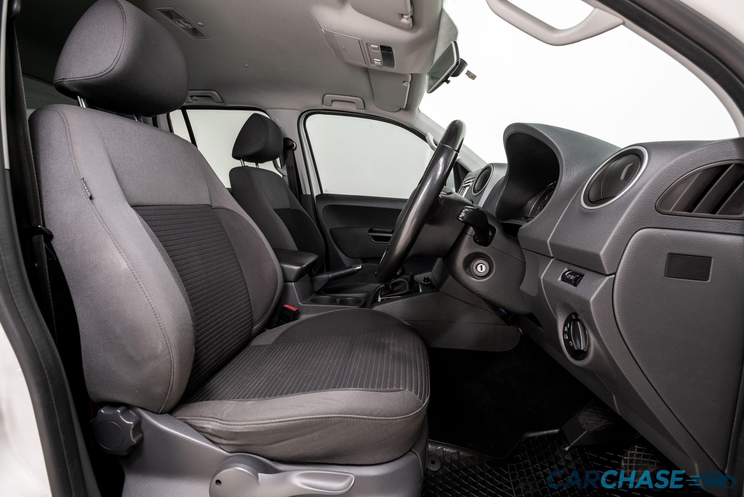 Image of driver front profile of 2012 Volkswagen Amarok TDI400 Highline