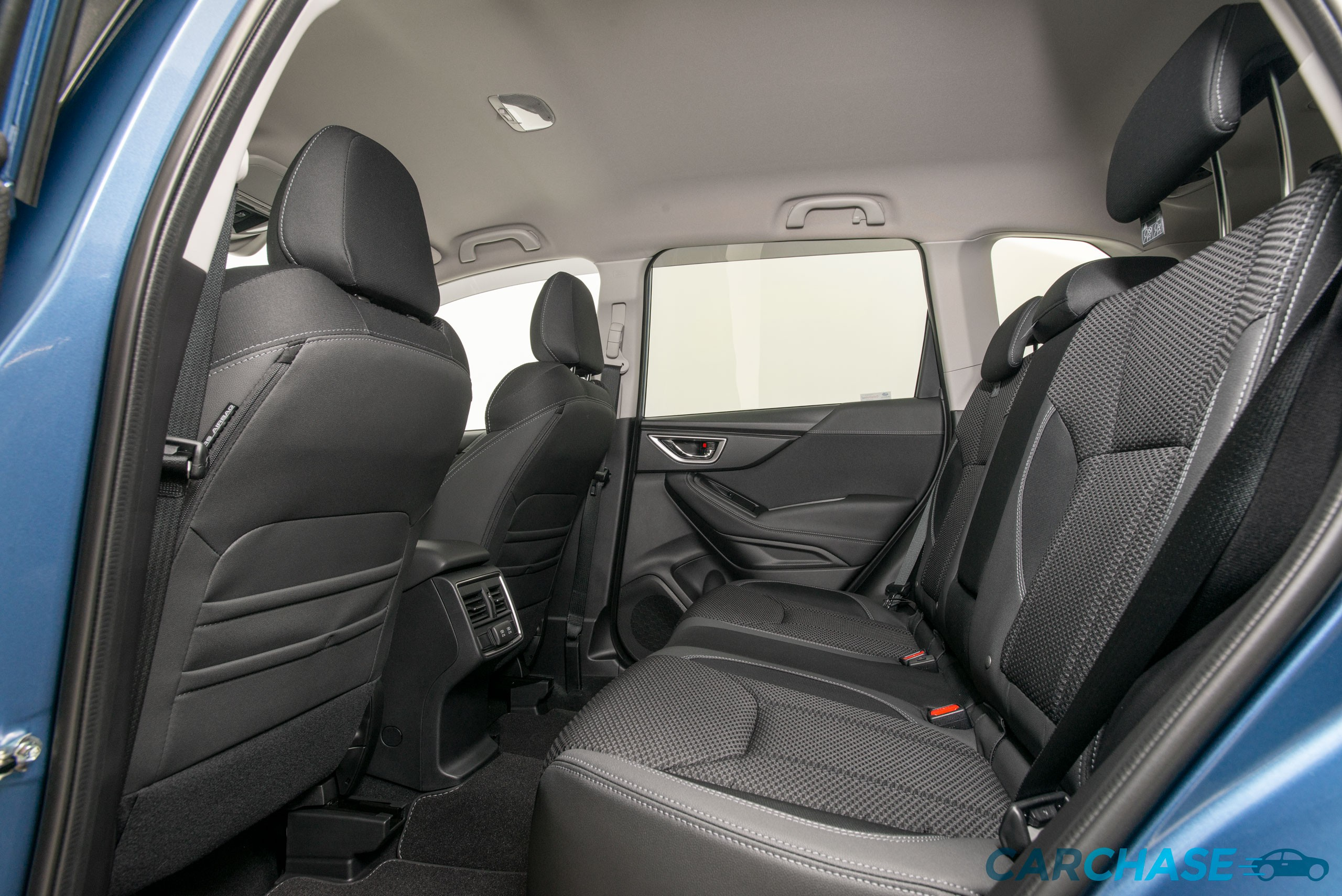 Image of passenger rear profile of 2019 Subaru Forester 2.5i-Premium