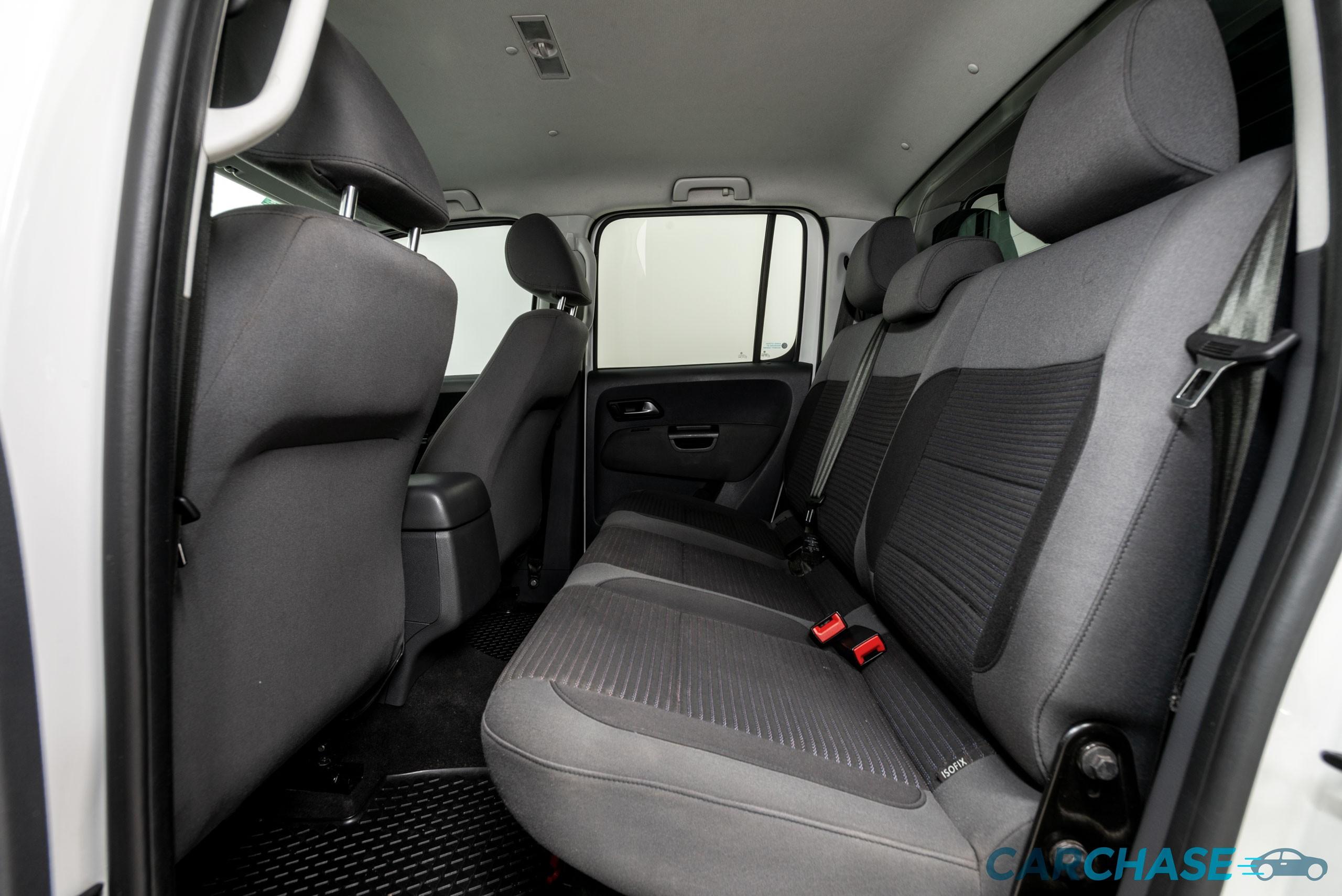 Image of passenger rear profile of 2012 Volkswagen Amarok TDI400 Highline