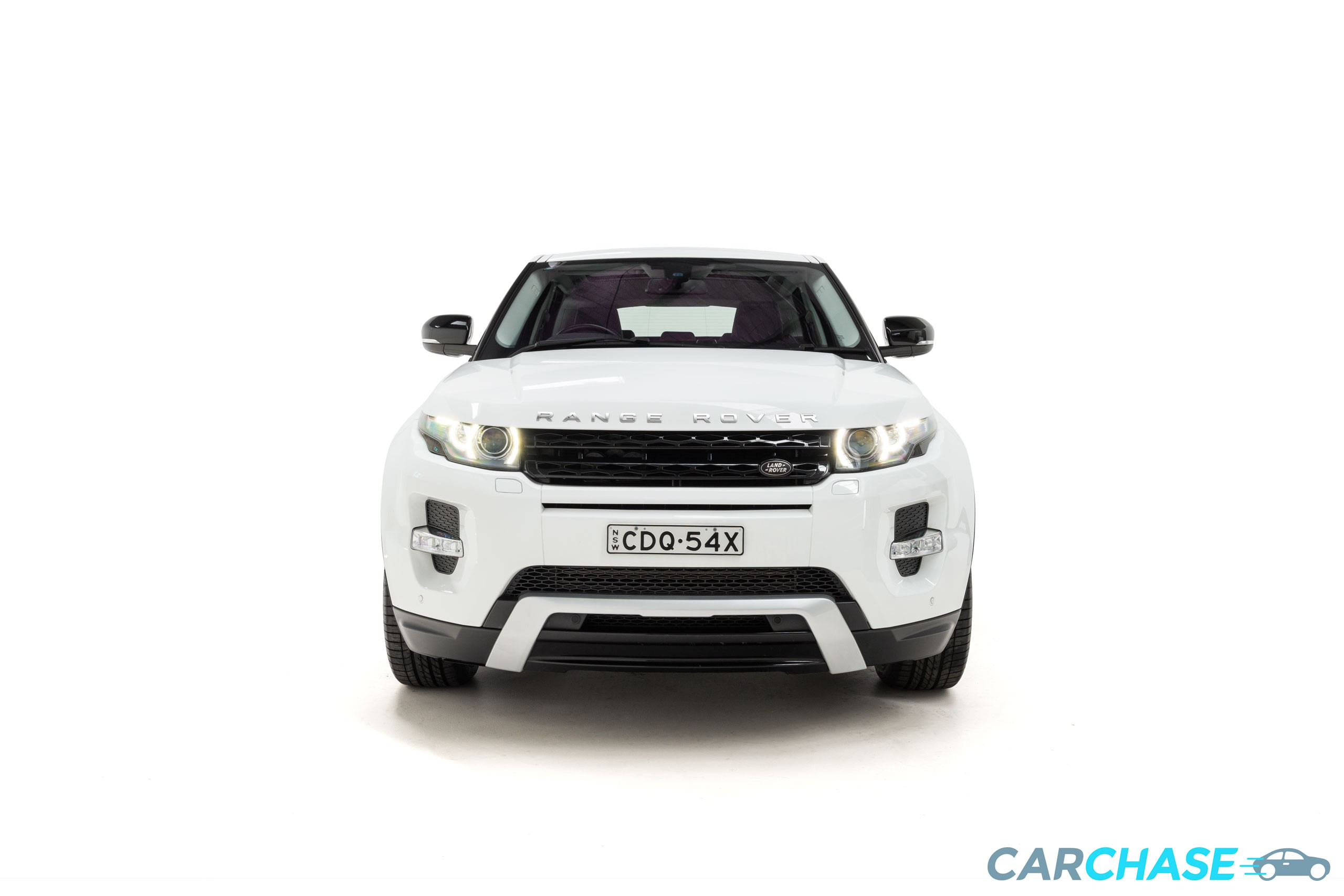 Image of front profile of 2013 Land Rover Range Rover Evoque SD4 Dynamic