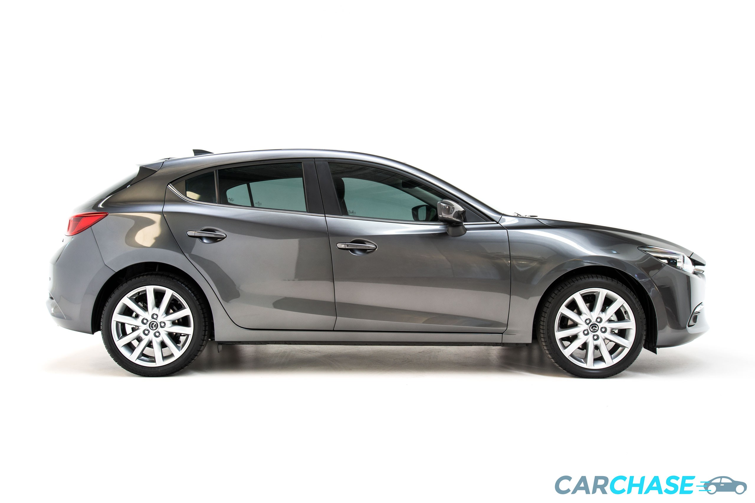 Image of right profile of 2018 Mazda 3 SP25 GT