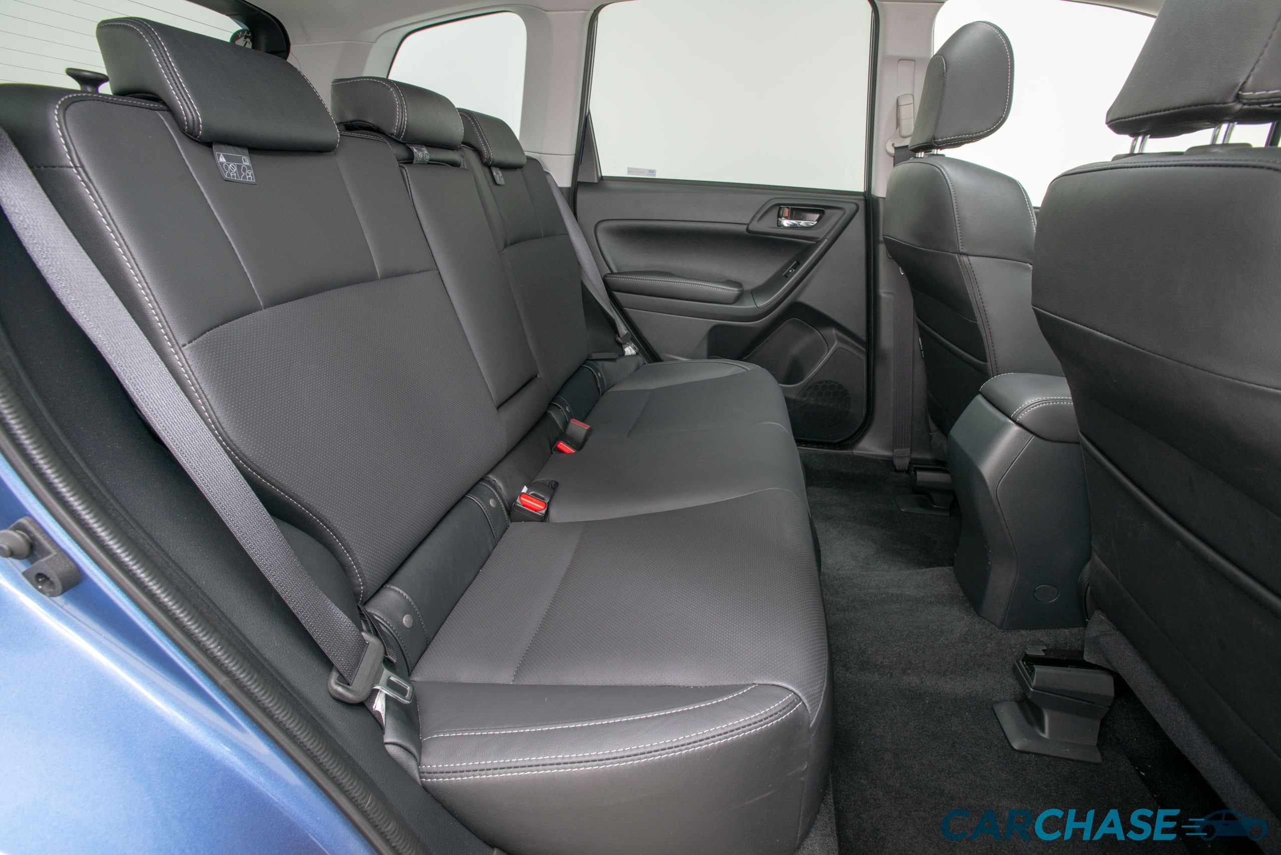 Image of driver rear profile of 2018 Subaru Forester 2.5i-L Luxury