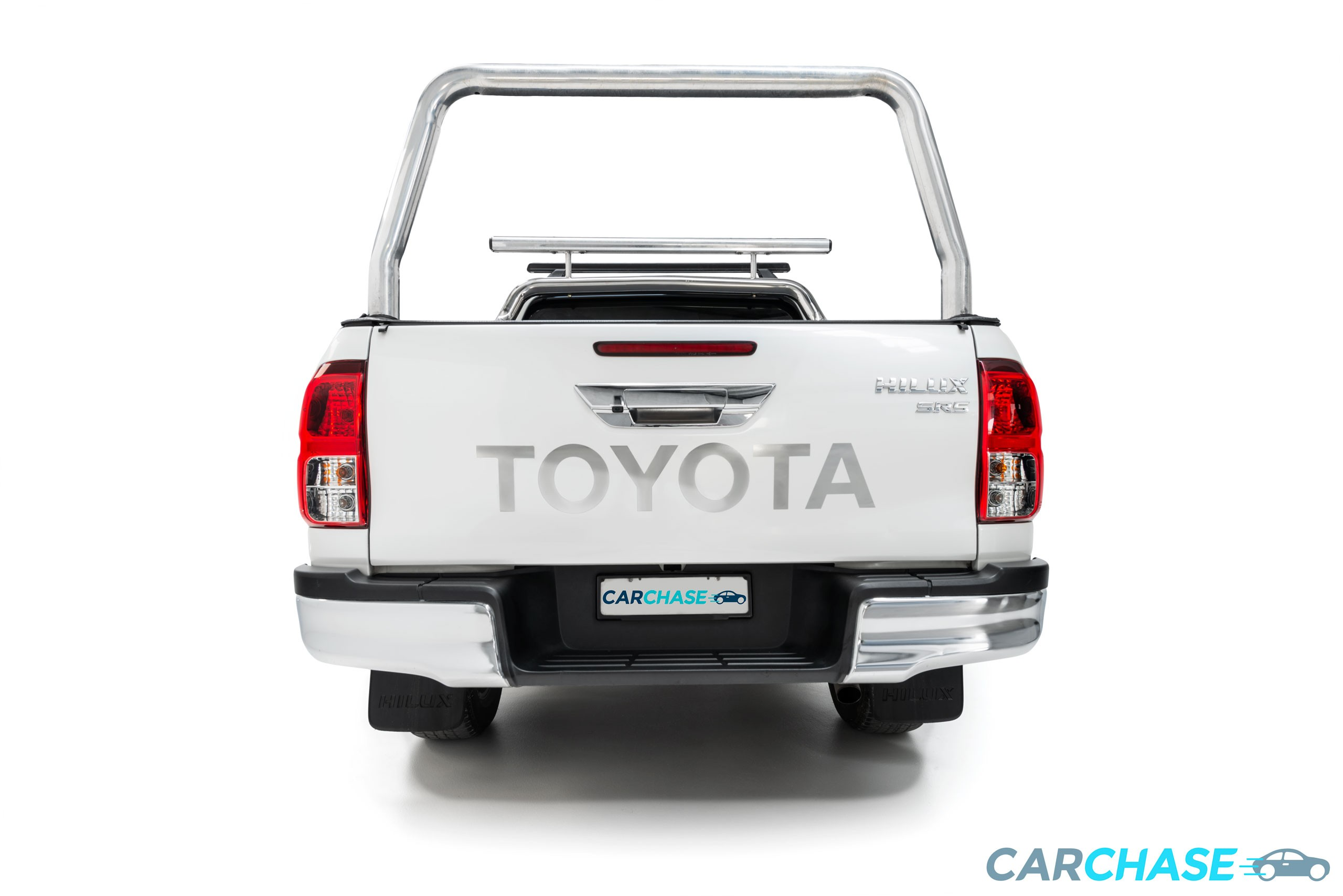 Image of rear profile of 2015 Toyota Hilux SR5
