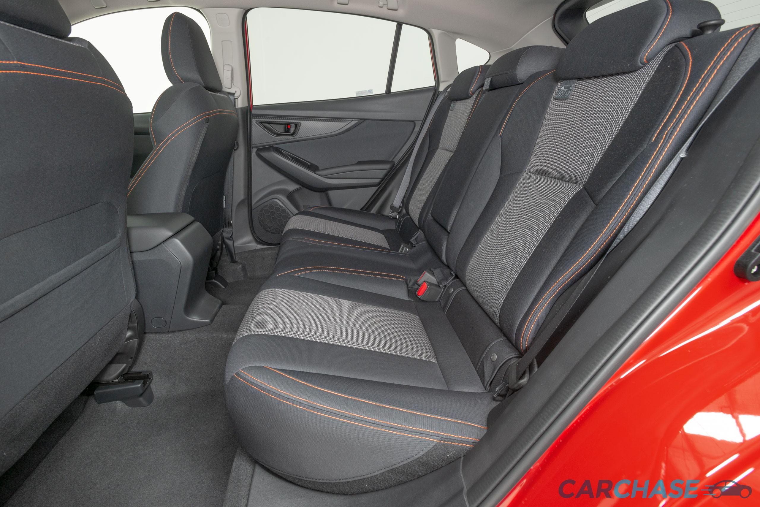 Image of passenger rear profile of 2018 Subaru XV 2.0i