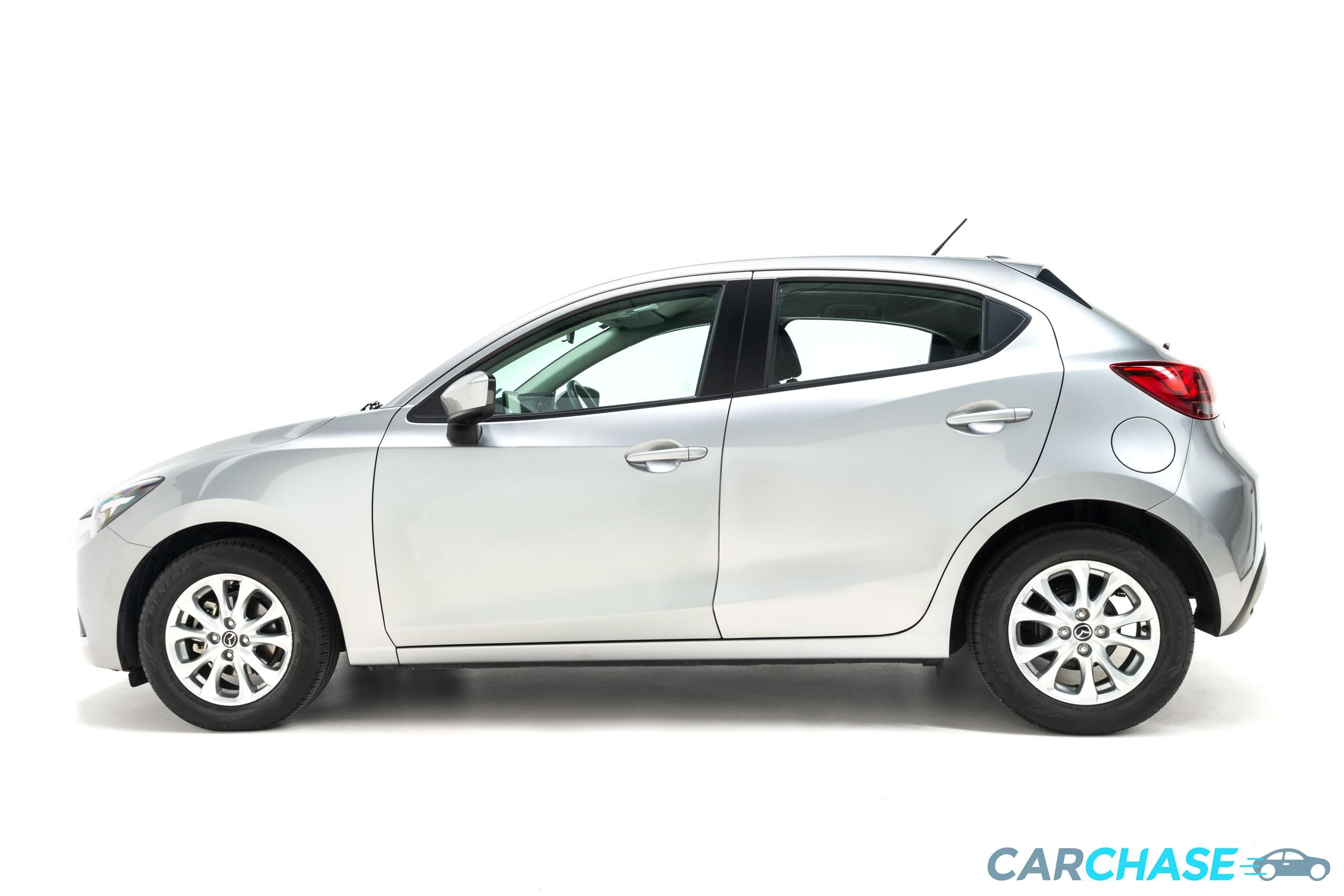 Image of left profile of 2016 Mazda 2 Maxx DJ