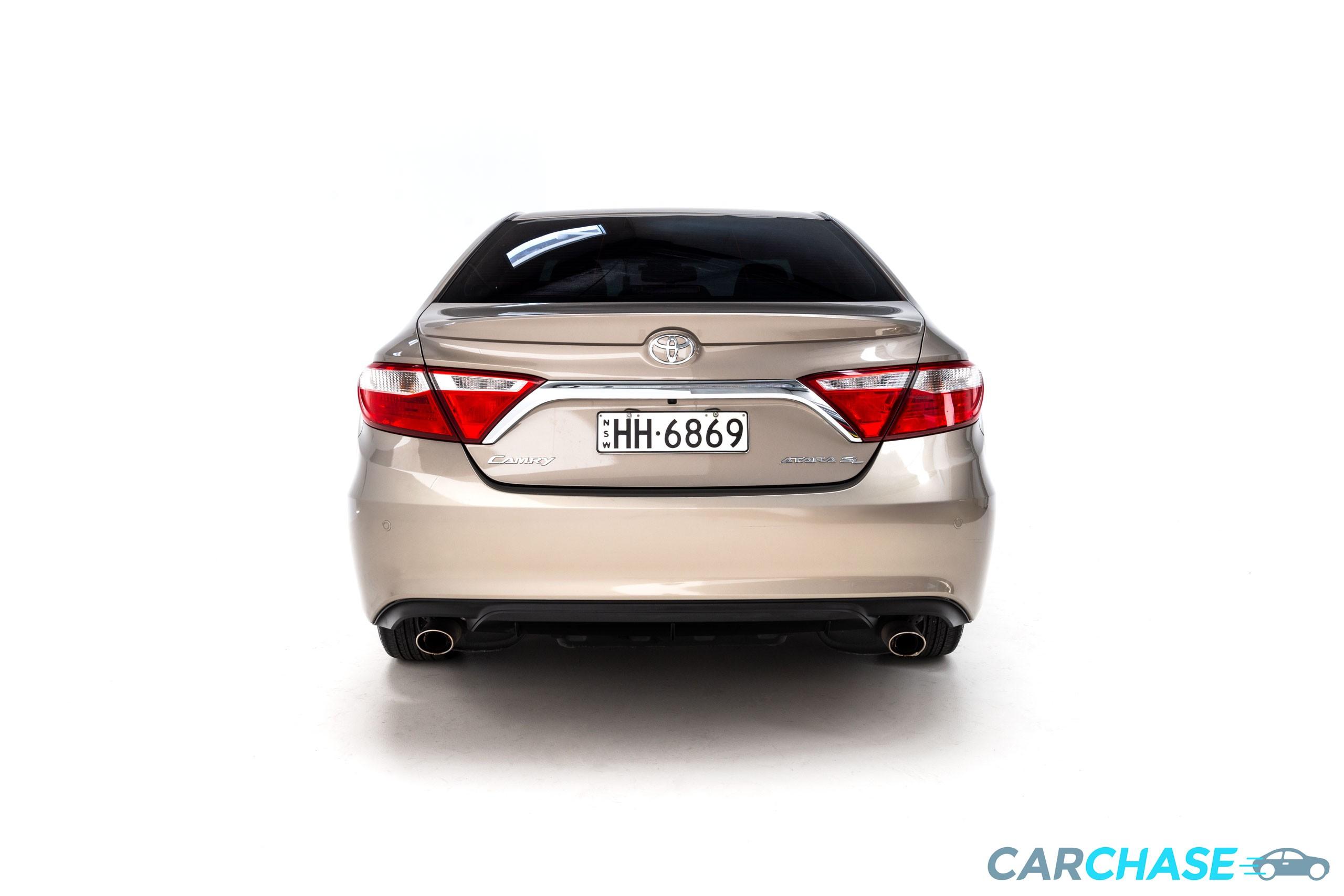 Image of rear profile of 2015 Toyota Camry Atara SL