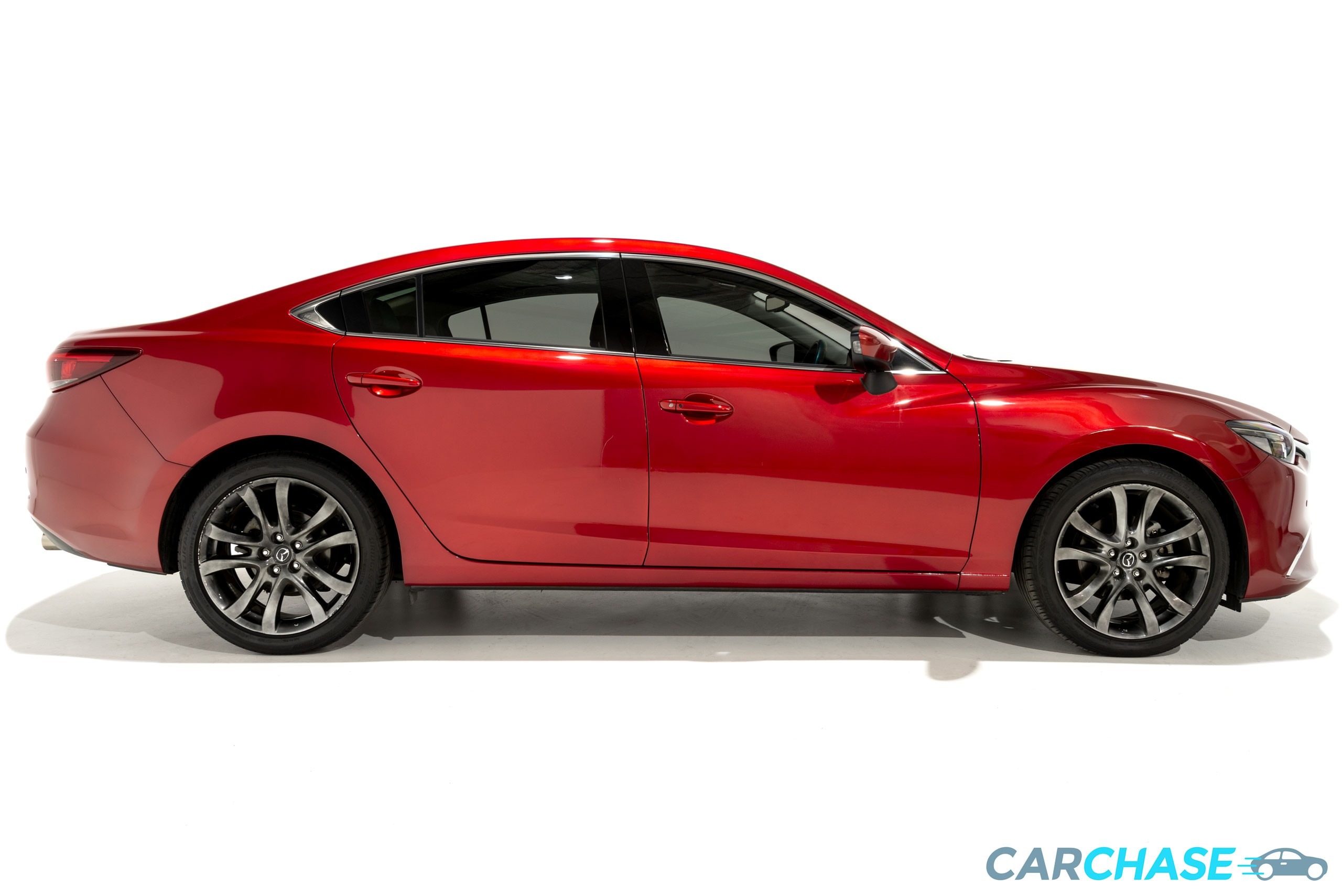 Image of right profile of 2015 Mazda 6 Atenza