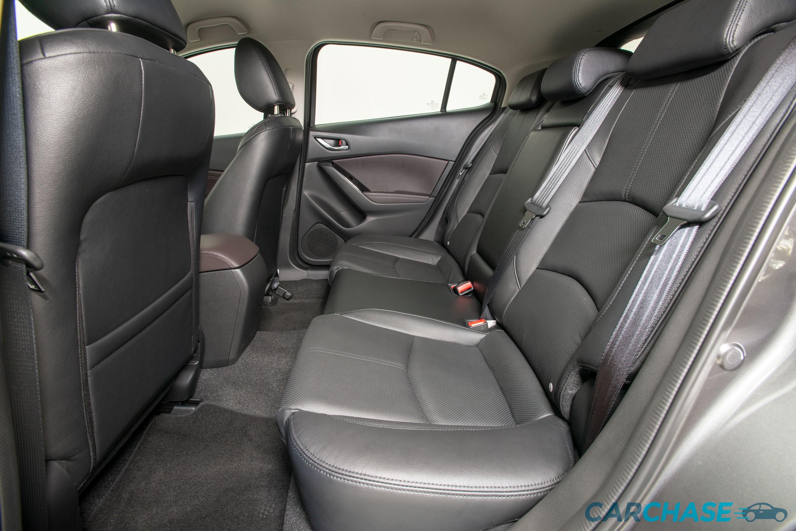 Image of passenger rear profile of 2018 Mazda 3 SP25 GT