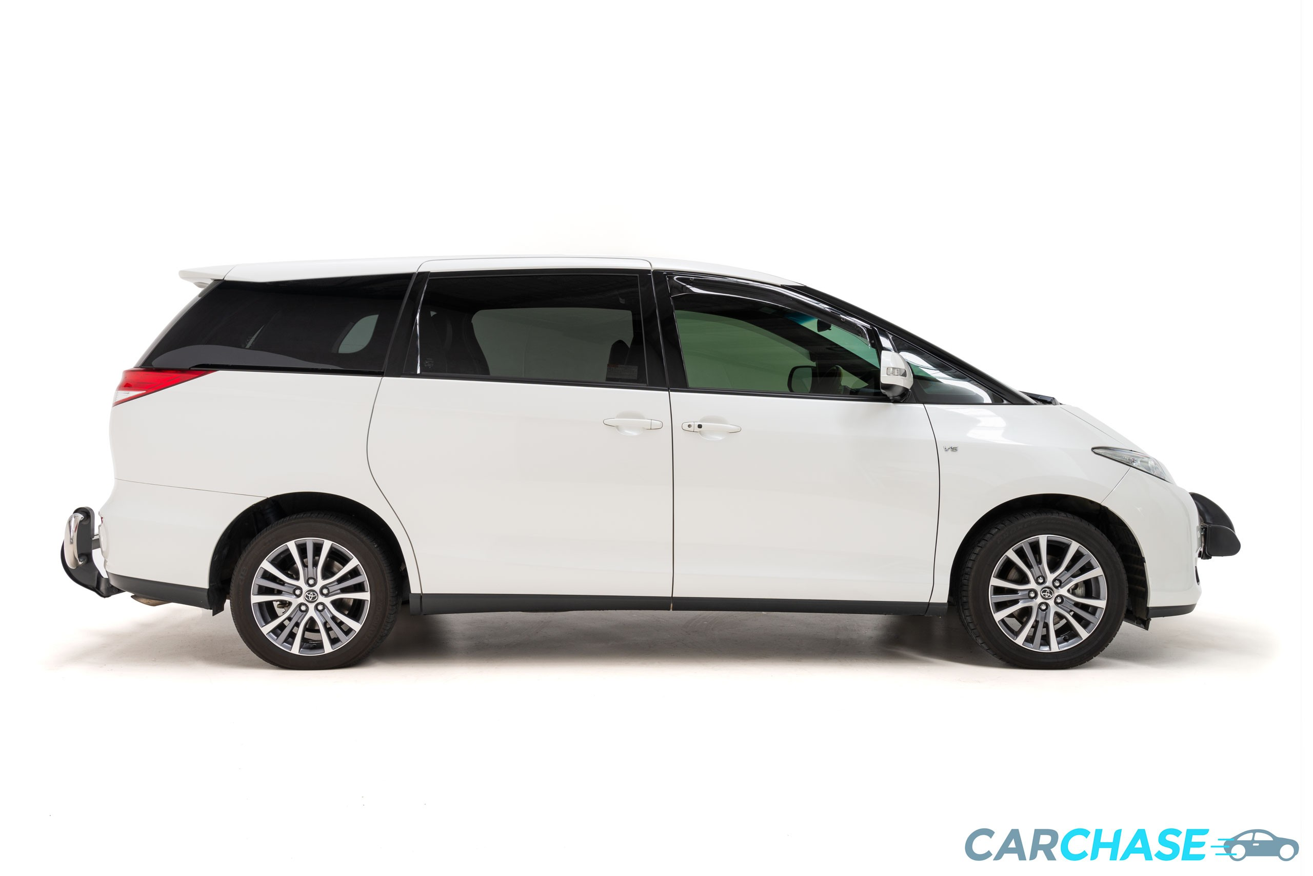 Image of right profile of 2017 Toyota Tarago Ultima