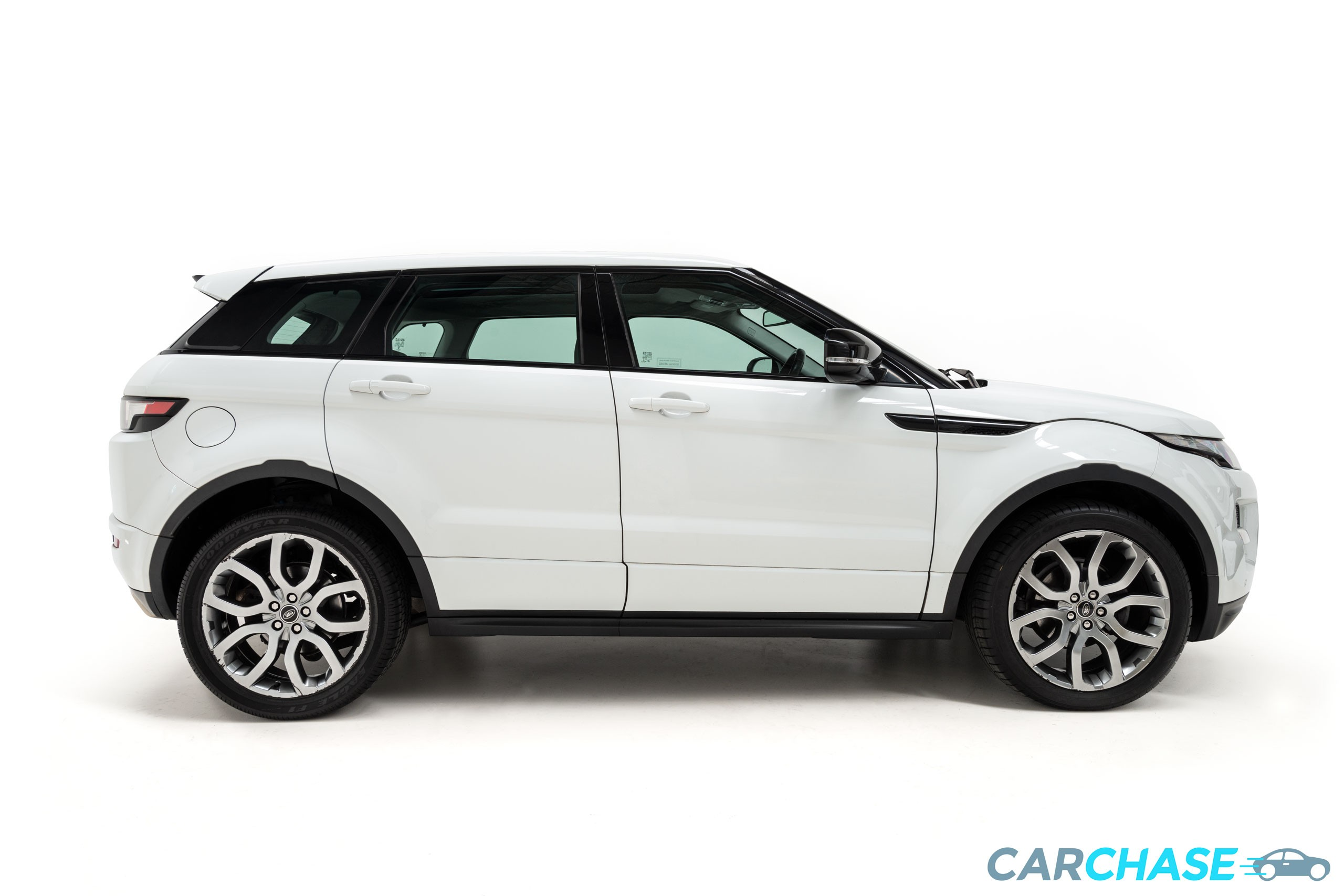 Image of right profile of 2013 Land Rover Range Rover Evoque SD4 Dynamic