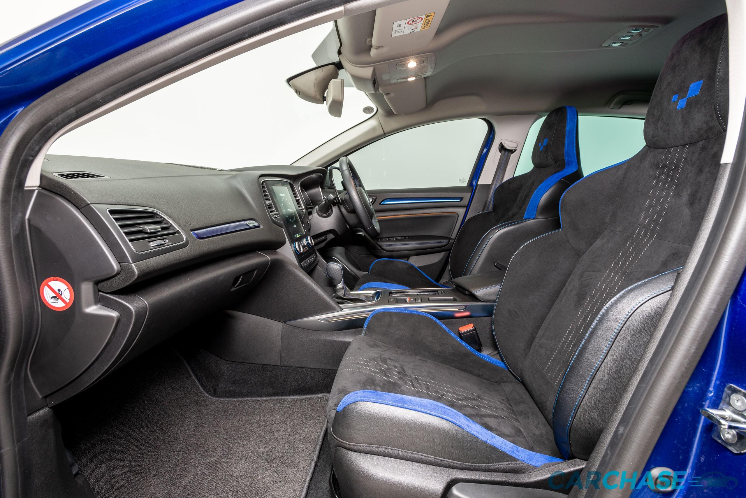 Image of passenger front profile of 2016 Renault Megane GT