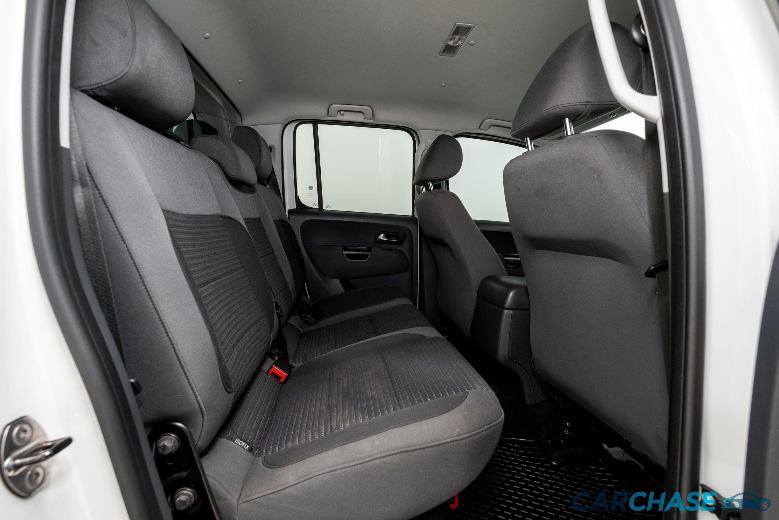 Image of driver rear profile of 2012 Volkswagen Amarok TDI400 Highline